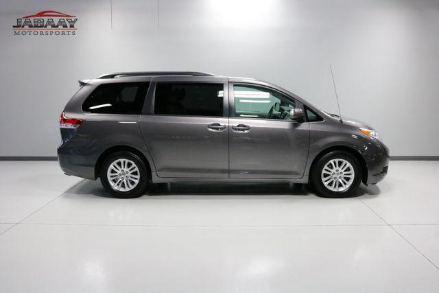 2014 Toyota Sienna XLE Merrillville, Indiana 44