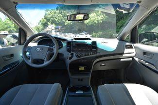 2014 Toyota Sienna LE Naugatuck, Connecticut 13