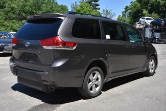 2014 Toyota Sienna LE Naugatuck, Connecticut 31