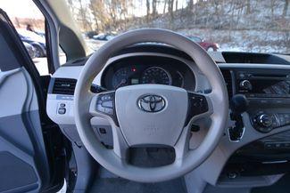2014 Toyota Sienna LE Naugatuck, Connecticut 10