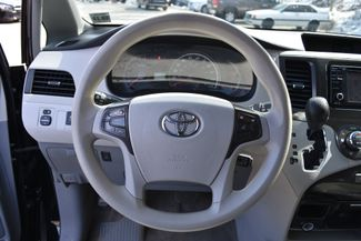 2014 Toyota Sienna LE Naugatuck, Connecticut 19
