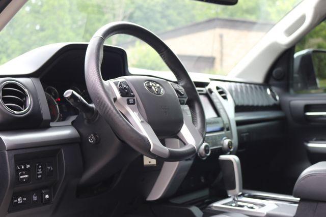 2014 Toyota Tundra Platinum Crew Max 4x4 Mooresville, North Carolina 10