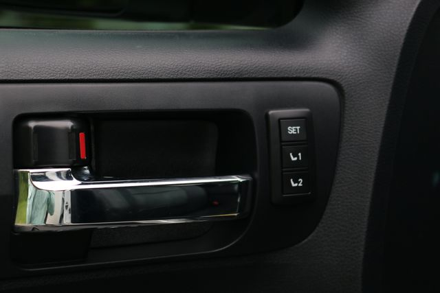 2014 Toyota Tundra Platinum Crew Max 4x4 Mooresville, North Carolina 15