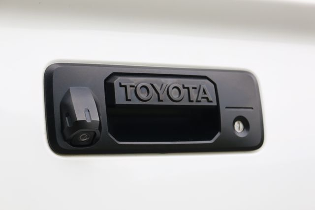 2014 Toyota Tundra Platinum Crew Max 4x4 Mooresville, North Carolina 7