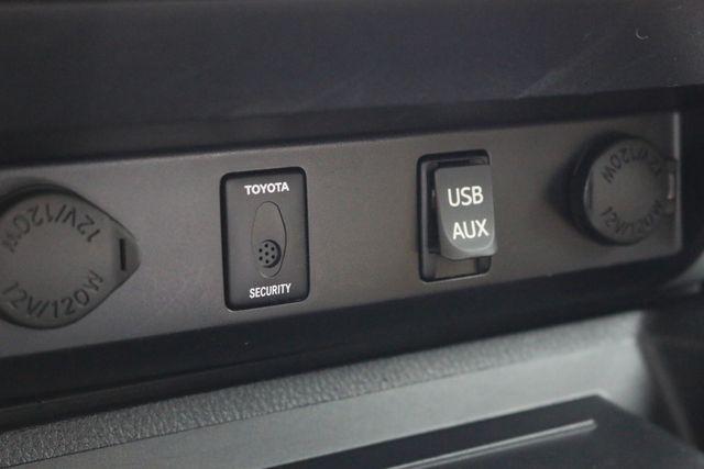 2014 Toyota Tundra Platinum Crew Max 4x4 Mooresville, North Carolina 64