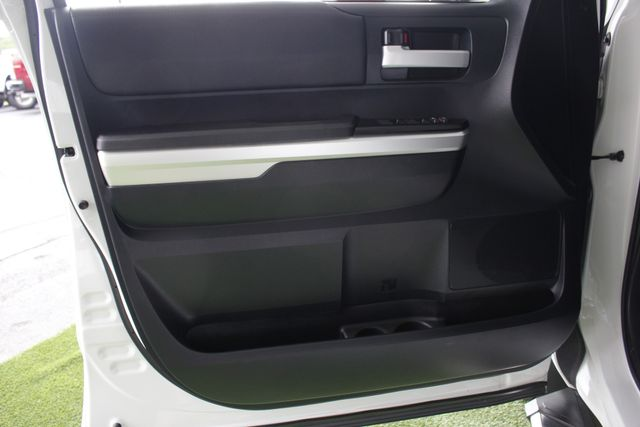 2014 Toyota Tundra SR5 Double Cab RWD - NAVIGATION! Mooresville , NC 36