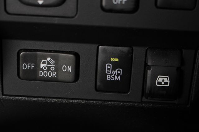 2014 Toyota Tundra 1794 CrewMax 4x4 - NAV - SUNROOF - BLIND SPOT! Mooresville , NC 41