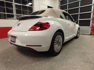 2014 Volkswagen Beetle convertible, lowest miles,  like new! Saint Louis Park, MN 10