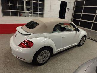 2014 Volkswagen Beetle convertible, lowest miles,  like new! Saint Louis Park, MN 11