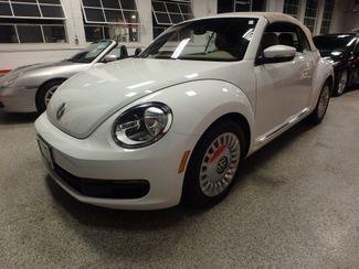 2014 Volkswagen Beetle convertible, lowest miles,  like new! Saint Louis Park, MN 14