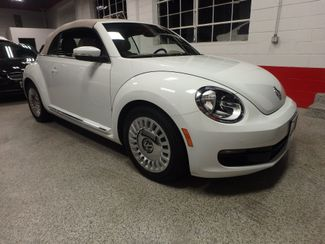 2014 Volkswagen Beetle convertible, lowest miles,  like new! Saint Louis Park, MN 2