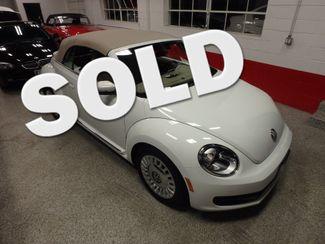 2014 Volkswagen Beetle convertible, lowest miles,  like new! Saint Louis Park, MN