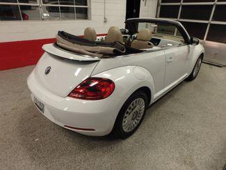 2014 Volkswagen Beetle convertible, lowest miles,  like new! Saint Louis Park, MN 20