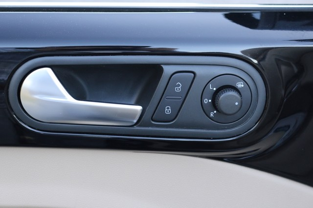 2014 Volkswagen Beetle Convertible 2.0T R-Line w/Sound Mooresville, North Carolina 13