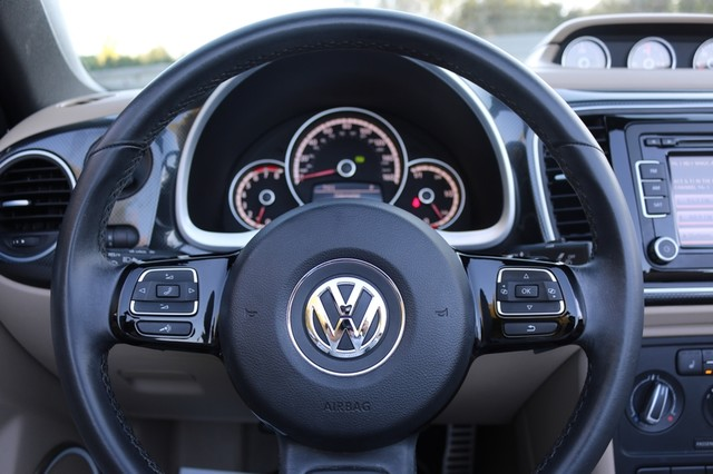2014 Volkswagen Beetle Convertible 2.0T R-Line w/Sound Mooresville, North Carolina 28