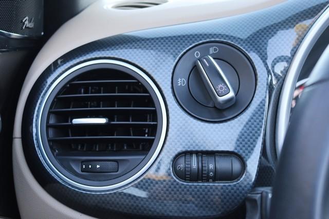 2014 Volkswagen Beetle Convertible 2.0T R-Line w/Sound Mooresville, North Carolina 33