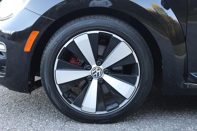 2014 Volkswagen Beetle Convertible 2.0T R-Line w/Sound Mooresville, North Carolina 52