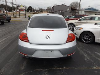 2014 Volkswagen Beetle Coupe 1.8T Entry Warsaw, Missouri 4