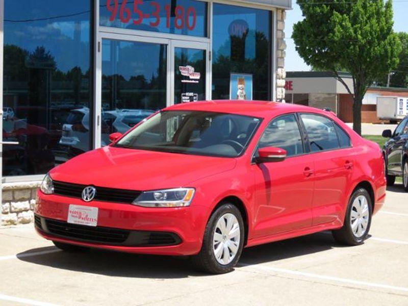 2014 Volkswagen Jetta SE Bright Red in Ankeny IA