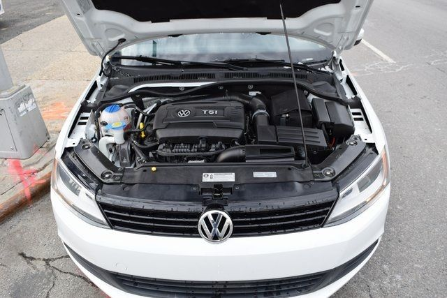 2014 Volkswagen Jetta SE Richmond Hill, New York 4