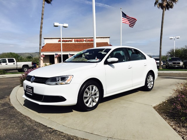 2014 Volkswagen Jetta SE wConnectivity This is a 2014 VW Jetta SE W Connectivity Pure White Ext