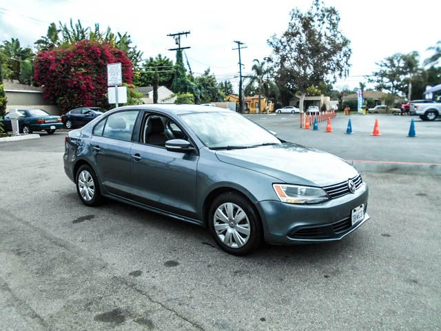 2014 Volkswagen Jetta SE Limited warranty included to assure your worry-free purchase AutoCheck r