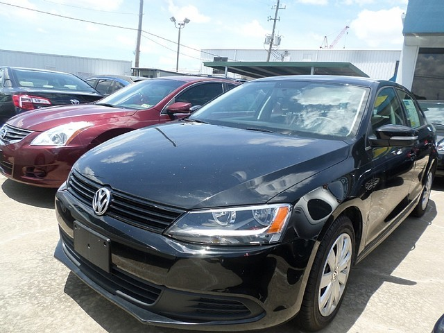 2014 Volkswagen Jetta SE  VIN 3VWD17AJ4EM423356 20k miles  AMFM CD Player Anti-Theft AC C