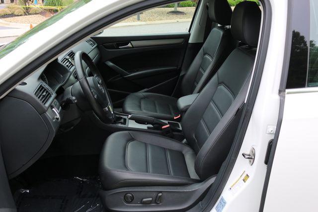 2014 Volkswagen Passat SE w/Snrf/Nav Mooresville, North Carolina 15
