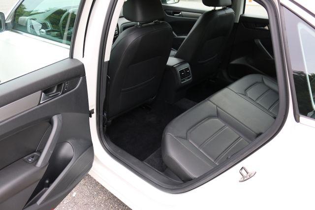 2014 Volkswagen Passat SE w/Snrf/Nav Mooresville, North Carolina 23