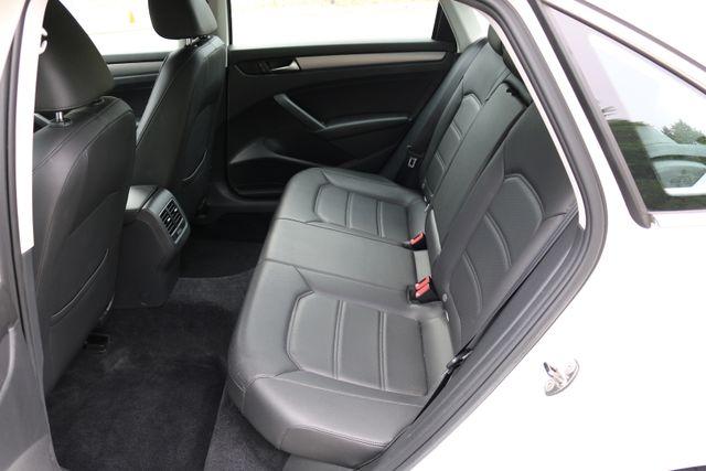 2014 Volkswagen Passat SE w/Snrf/Nav Mooresville, North Carolina 24