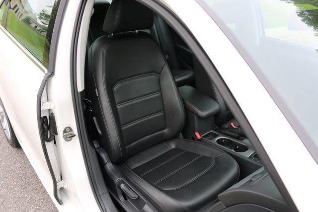 2014 Volkswagen Passat SE w/Snrf/Nav Mooresville, North Carolina 37