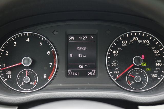2014 Volkswagen Passat SE w/Snrf/Nav Mooresville, North Carolina 39