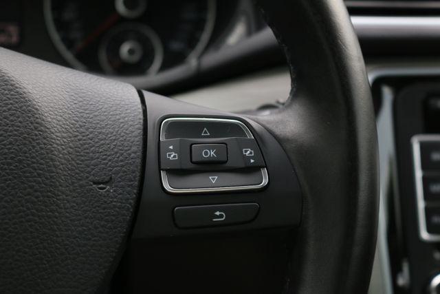 2014 Volkswagen Passat SE w/Snrf/Nav Mooresville, North Carolina 42