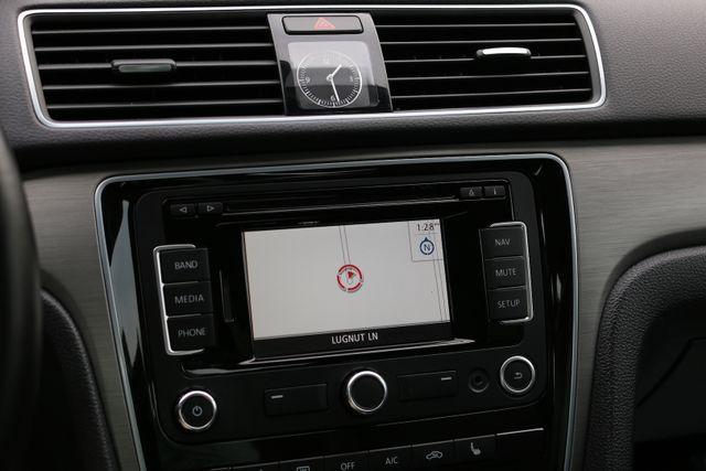2014 Volkswagen Passat SE w/Snrf/Nav Mooresville, North Carolina 46