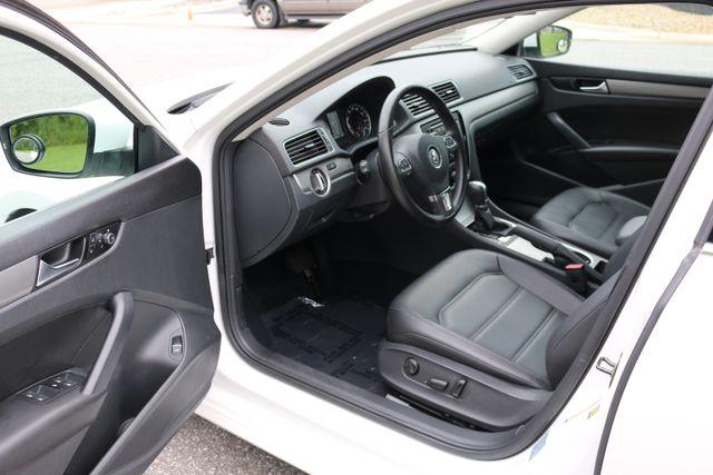 2014 Volkswagen Passat SE w/Snrf/Nav Mooresville, North Carolina 11