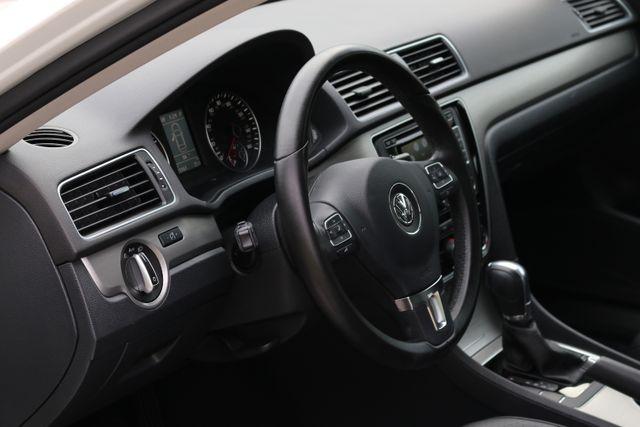 2014 Volkswagen Passat SE w/Snrf/Nav Mooresville, North Carolina 14