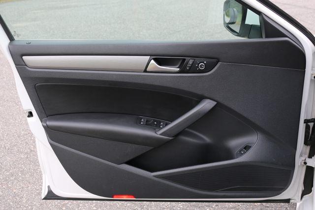 2014 Volkswagen Passat SE w/Snrf/Nav Mooresville, North Carolina 81