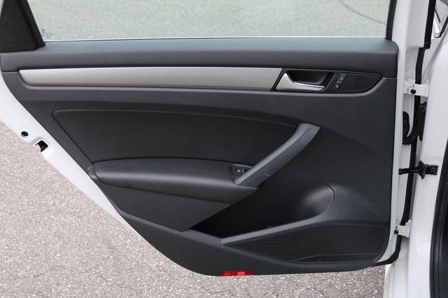 2014 Volkswagen Passat SE w/Snrf/Nav Mooresville, North Carolina 82