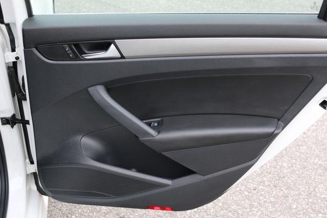 2014 Volkswagen Passat SE w/Snrf/Nav Mooresville, North Carolina 84