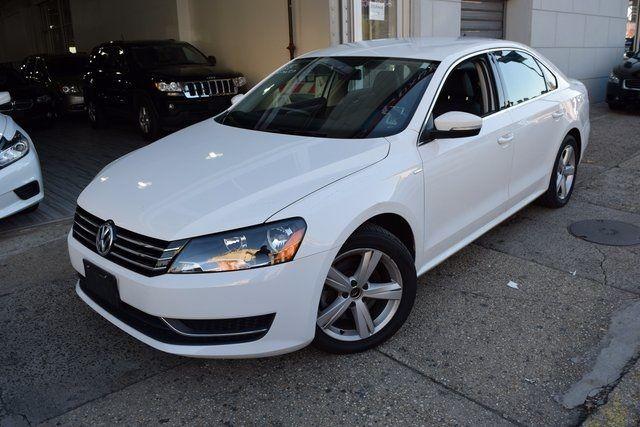 2014 Volkswagen Passat Wolfsburg Ed Richmond Hill, New York 1