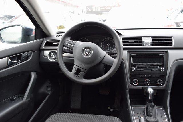 2014 Volkswagen Passat S Richmond Hill, New York 11