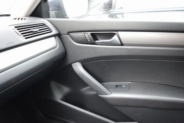 2014 Volkswagen Passat S Richmond Hill, New York 29