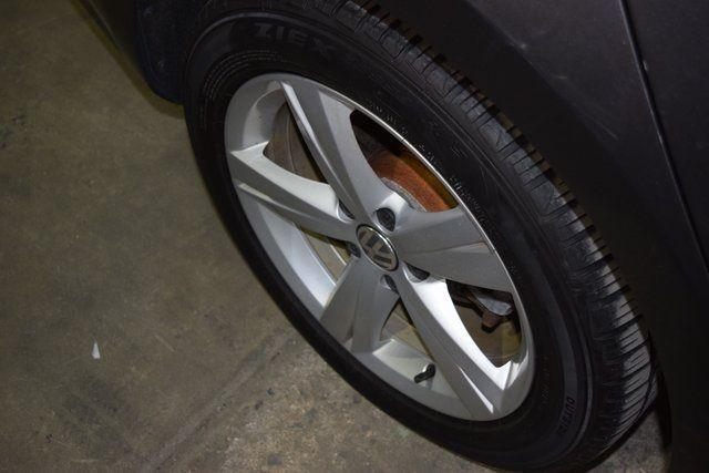 2014 Volkswagen Passat SE Richmond Hill, New York 12