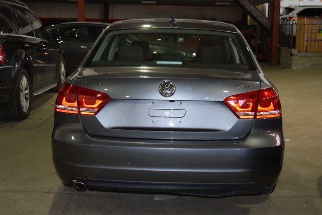 2014 Volkswagen Passat SE Richmond Hill, New York 4
