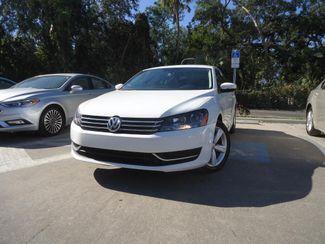 2014 Volkswagen Passat SE. LEATHER. BACKUP CAMERA. HTD SEATS SEFFNER, Florida