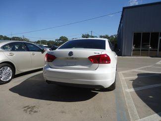 2014 Volkswagen Passat SE. LEATHER. BACKUP CAMERA. HTD SEATS SEFFNER, Florida 10