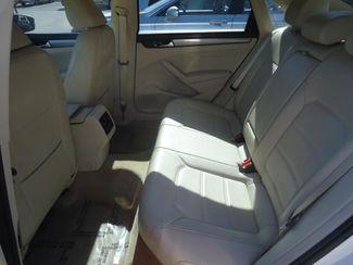 2014 Volkswagen Passat SE. LEATHER. BACKUP CAMERA. HTD SEATS SEFFNER, Florida 13