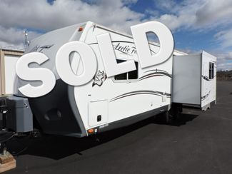2015 Arctic Fox 25Y  Trailer w/Slide One Owner Bend, Oregon