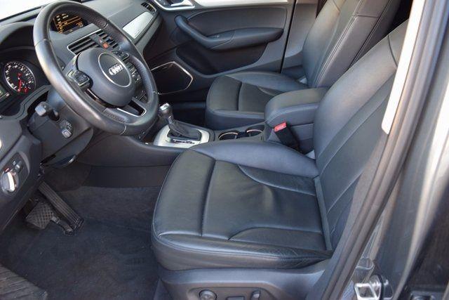 2015 Audi Q3 2.0T Prestige Richmond Hill, New York 16