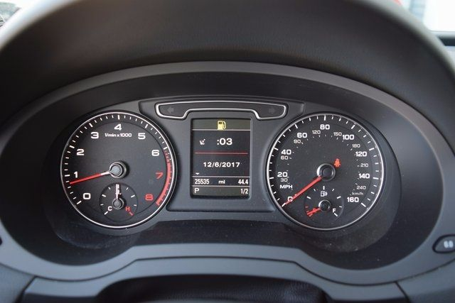 2015 Audi Q3 2.0T Prestige Richmond Hill, New York 19